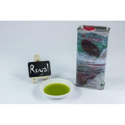 Color Verde Intenso del Aceite de Oliva Virgen Extra con D.O., variedad Royal de cosecha temprana Rotalaya 500 ml
